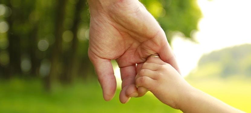 Hogy hatalmaz fel bennünket a nevelésre a gyerekünkkötődése?
